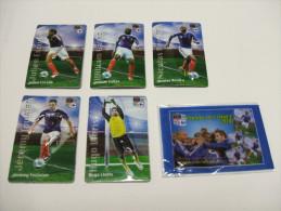 5 MAGNETS Carrefour Football FRANCE Foot 2010 : ESCUDE, GALLAS, ANELKA, TOULALAN ET LLORIS - Sports
