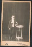 Photo De Studio, Garçon, Communiant, Photographie St Vanderburgt, Erquelinnes / Young Boy - Anonyme Personen