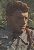 Mini Photo:Johnny Hallyday En Militaire-Dos;l'Amienoise Biscotte De France (Amiens)voir Scan - Célébrités