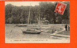 Bateaux - La Flottille Du Canal - Voiliers - Jardins De Versailles - Voiliers