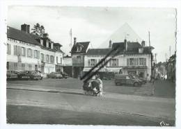 CPM - Liancourt - Place La Rochefoucauld - Liancourt