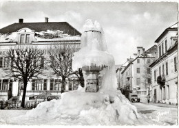 CPSM (Réf :N929) MORTEAU (25 DOUBS) 188 La Fontaine En Hiver. (animée, Vieille Fourgonnette) - Non Classificati