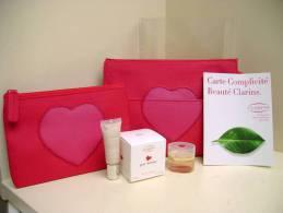 """CLARINS """" PAR AMOUR"""" TROUSSE + POCHETTE + MINI EDP 4,5 ML + BAUME COULEUR LEVRES 7 ML - Miniatures Womens' Fragrances (in Box)"""