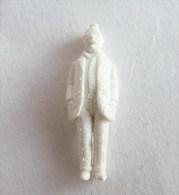 FIGURINE PUBLICITAIRE STENVAL TINTIN 03 monochrome Blanc - pas dunkin - herg�