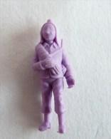 FIGURINE PUBLICITAIRE STENVAL TINTIN 33 monochrome Violet - pas dunkin - herg�