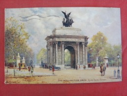Tuck, Raphael The Wellington Arch  Hyde Park Corner    Has Stamp & Cancel         -ref 1432 - Tuck, Raphael