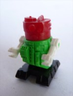 FIGURINE ROBOT 03 KINDER MONTABLE 1980�s