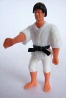 FIGURINE JUDOKA karateka 02 KINDER MONTABLE 1991