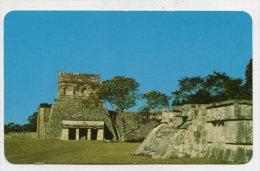 MEXICO -  AK 203753 Chichen Itza - A La Izquierda, Templo De Los Jaguares ... - Mexiko