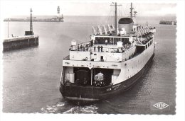 REF 180 CPSM 59 DUNKERQUE Ferry Sortie Du Saint St Germain N° 464 - Dunkerque