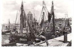 REF 180 CPSM 59 DUNKERQUE Chalutiers à Quai N ° 644 - Dunkerque