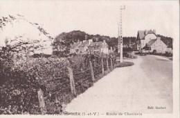35 LE VIVIER Sur MER  Coin Du VILLAGE Maisons Cultures Automobile Sur La Route De CHERRUEIX - Francia