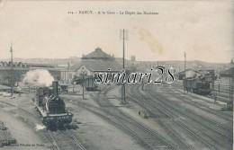 NANCY - N° 214 - A LA GARE - LE DEPOT DES MACHINES - Gares - Avec Trains
