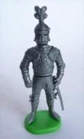 FIGURINE CHEVALIER II 01a KINDER MONTABLE 1987 krieger