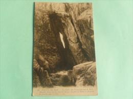 POINTE DU RAZ - La Grotte Des Cormorans - Plogoff