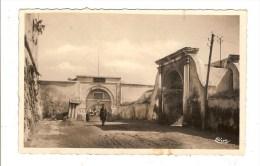 PROBABLEMENT TUNISIE - ENTREE DE LA CASERNE BIT EL BAAR - QUARTIER MANGIN - VILLE A DETERMINER - Túnez