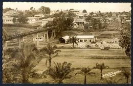 Yaoundé. *Passerelle Reliant Le Centre Administratif...* Circulada. - Camerún