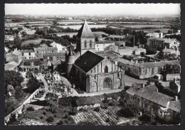 CPSM Gf .dépt. 85 . En Avion Au Dessus De : LA CHAIZE-GIRAUD . L'Eglise. - Francia