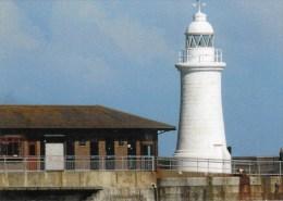 Postcard - Dover Prince Of Wales Pier Lighthouse, Kent. SMH44B - Lighthouses