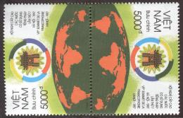 ~~~ Vietnam 1997 - Franse Taal  - Mi. 2881 ** MNH -  Tete Beche  ~~~ - Vietnam