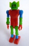 RARE FIGURINE KINDER ROBOT 02 MONTABLE 1970�s