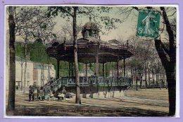 53 - LAVAL -- Le Kiosque Et Les Promenade - Laval