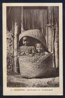 *Dans Le Panier à Riz. La Bonne Graine* Al Dorso *Pour L'OEuvre Des Prêtes Malagaches...* Nueva. Leve Oxidación. - Madagascar
