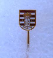 VARAZDIN  ( Croatian Enamel Pin ) Badge Coat Of Arms Blason Wappen City Town Ville Citta Stadt Anstecknadel Distintivo - Cities