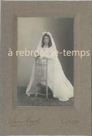 Photo Ancienne 1920 Communiante Et Son Prie Dieu-photo Lucien Pouget à La Châtre-TB état - Photographs
