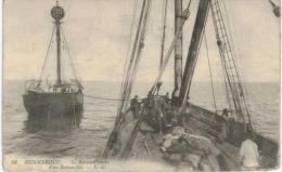 Dunkerque Ravitaillement D'un Bateau Feu - Dunkerque