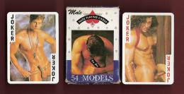 * Jeu de 54 cartes � jouer : Hommes nus en poses tr�s os�es  : Voir les 5 scans