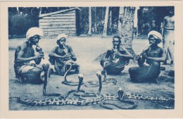 CARTE POSTALE ANCIENNE,COLONIE,ASIE,ASI A,SRI LANKA,CEYLON,CEYLAN,métie R,charmeur De Serpent,serpent Dangereux - Sri Lanka (Ceylon)