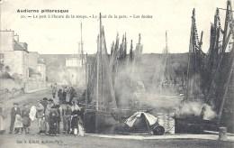 BRETAGNE - 29 - FINISTERE- AUDIERNE - Le Port à L'heure Dela Soupe - Quai Dela Gare - Les écoles - Audierne