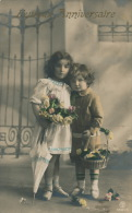 """ENFANTS - LITTLE GIRL - MAEDCHEN - Jolie Carte Fantaisie Portrait Enfants Et Fleurs """"Anniversaire"""" - Portraits"""