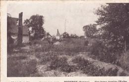 ROUVROY  Une Ferme Derrière L'Eglise - Other Municipalities