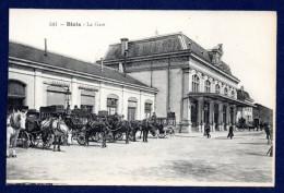 41. Blois. La Gare. File De Fiacres Attendant Les Passagers. - Blois