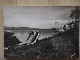 Barrage De Vassiviere Entre PEYRAT LE CHATEAU ET ROYERE - France