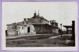 85 - FONTENAY Le COMTE -- La Gare - 1954 - Fontenay Le Comte
