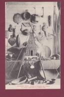 OCEANIE - 120814 -  ARCHIPEL FIDJI - Armes Et Ustensiles Des Fidjiens - Au Centre : Réduction D'un Temple Païen - Fidji