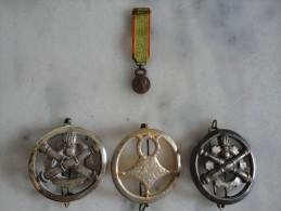 Superbe Lot De 3 Insignes De Béret Et 1 Médaille - JB72 - Army & War