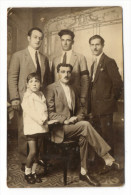"""ALGERIE / BÔNE /  FAMILLE  DE  NOTABLES ( 5 Hommes ) /  Cliché  """" NIEPCE  &  L. ROBLEDO, Bône """" - Otras Ciudades"""