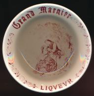 CENDRIER : GRAND MARNIER LIQUEUR,  Gien, France, Porcelaine (2 scans)