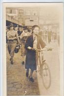 23957 Trois Carte Photo Femme Sans Doute En Normandie  France Année 40 -Rouen ? Velo - Cartes Postales