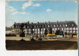 YVETOT - Place Des Belges Vers La Rue Guy De Maupassant - Yvetot
