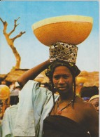 AFRIQUE,AFRICA,AFRIKA,NIG ERIA,golfe Guinée,NIJERIYA,ex Colonie Britannique,femme équilibriste,travailleuse ,belle,colli - Nigeria