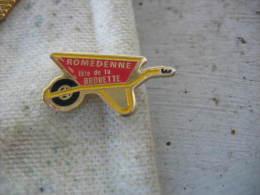 Pin�s de la fete de la Brouette � ROMEDENNE en Belgique