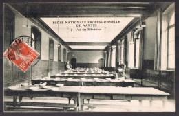 Ecole Nationale Professionnelle De NANTES . L'un Des Réfectoires . - Nantes