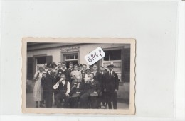 AC - Photo ( Format 93x 63mm) - B1448- Allemagne - Emmendingen - Groupe Devant Speisewirtschaft - Places