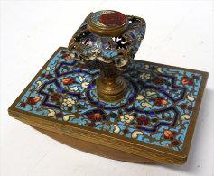Magnifique Presse-Buvard Bronze cloisonn� ancien tr�s d�coratif voir scans franco port pour l'Europe 6.3x10x7cms