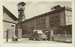 AUCHEL PAS DE CALAIS 14 LA FOSSE 3 CAMION BENNE  BERLIET SAVIEN FORD ??  ECRITE CIRCULEE 1959 - Altri Comuni
